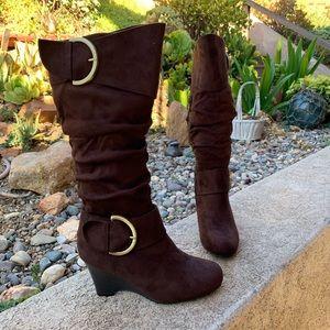 NEW Journee collection Irene wedge boot brown